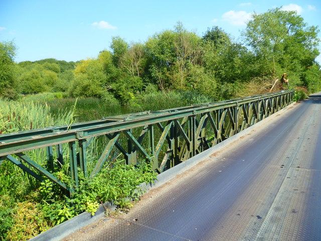 Bridge over the River Colne on Cricketfield Road