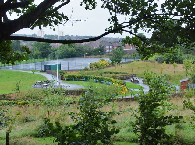 Sports courts and picnic area, Stocksfield Avenue Primary School