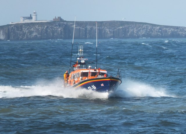 """RNLI Lifeboat """"Grace Darling"""" approaching Seahouses harbour"""