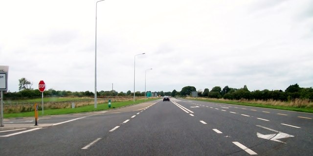The N52 (Tullamore Bypass) at its junction with the R421 (Arden Road)
