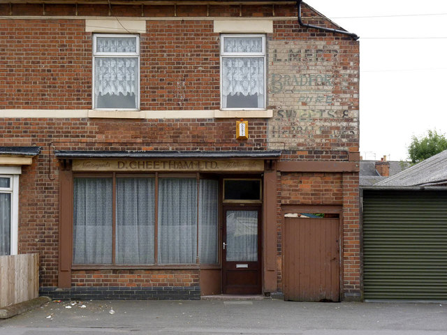 Former newsagents shop, London Road