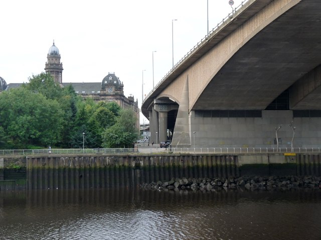 Kingston Bridge touches down on the south side of the Clyde