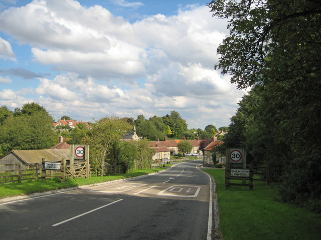 Entering Helmsley from the west