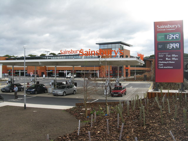 Sainsbury's filling station and store