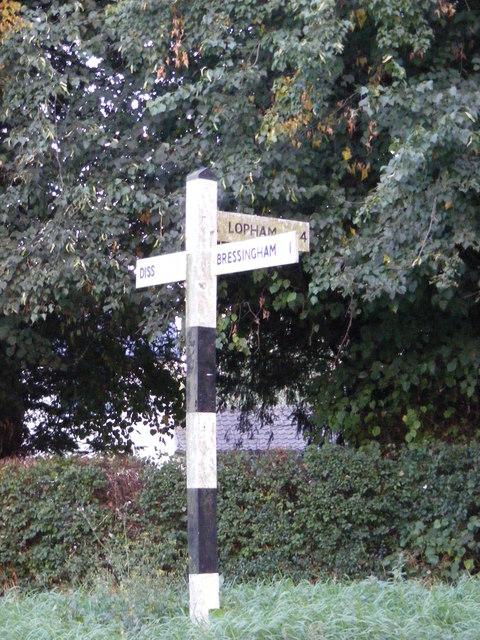 Roadsign on Bressingham Road