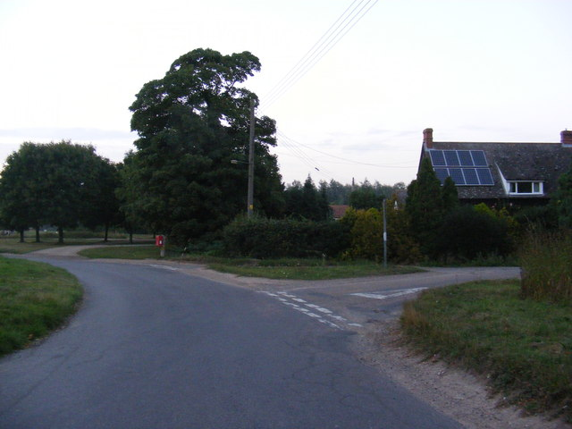 Manor Road & The Green Postbox