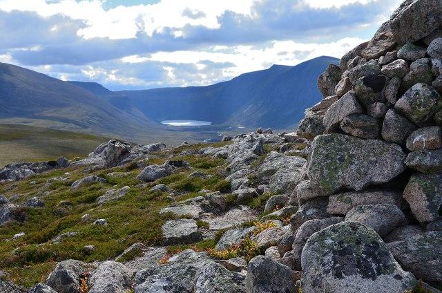 Gleann Eanaich from Carn Eilrig summit