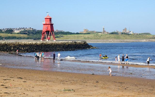 Herd Groyne and beach