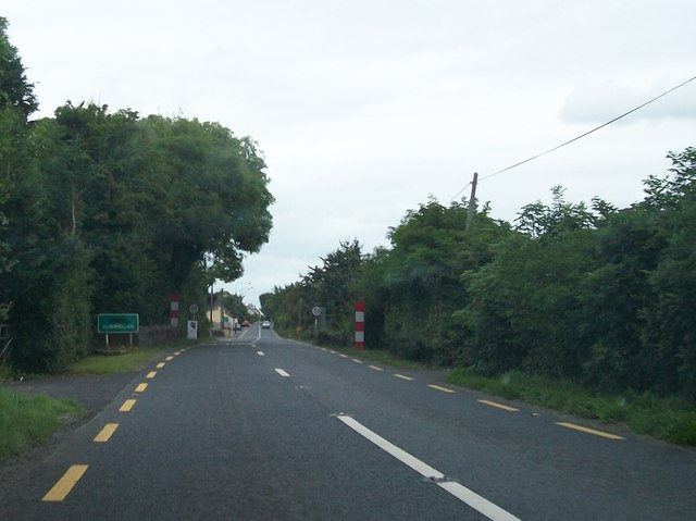 Entering Clonmellon from the south along the N52