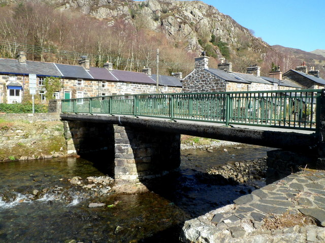 Side view of a river bridge in Beddgelert