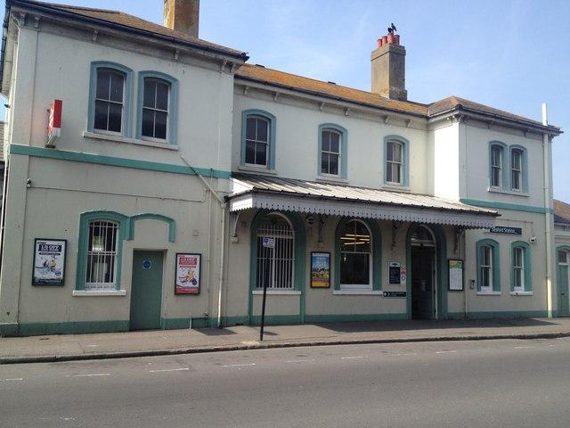 Seaford railway station