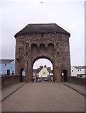 SO5012 : Monnow Bridge and gatehouse by Martin Speck