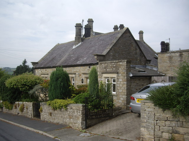 Cottages at the bottom end of Eggleston