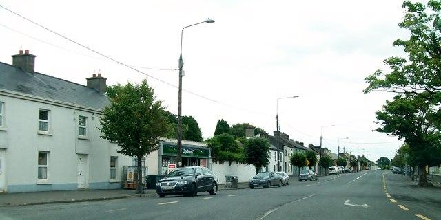 Entering Main Street, Clonmellon from the Delvin Road