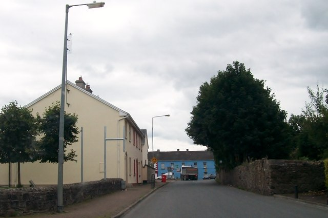 Approaching the roundabout in the centre of Cloghan