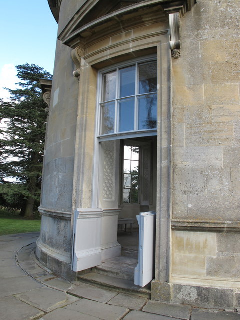 Croome Place rotunda, door with curved sash windows