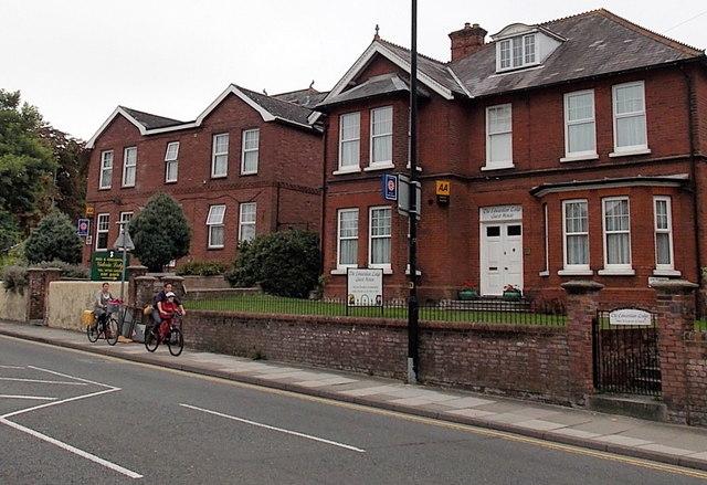 The Edwardian Lodge and Victoria Lodge, Salisbury