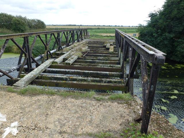 Herbert's Bridge crossing The North Western Cut