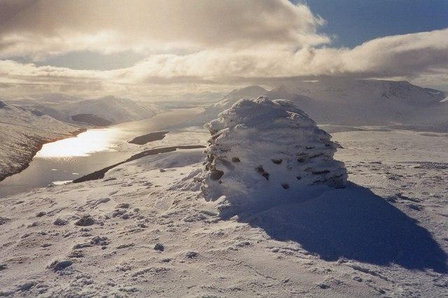 Summit cairn, Meall Cruaidh