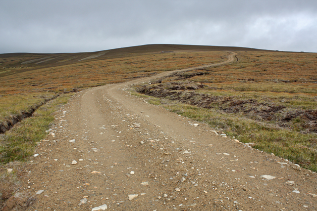 Track towards Carn Coire na h-Eirghe