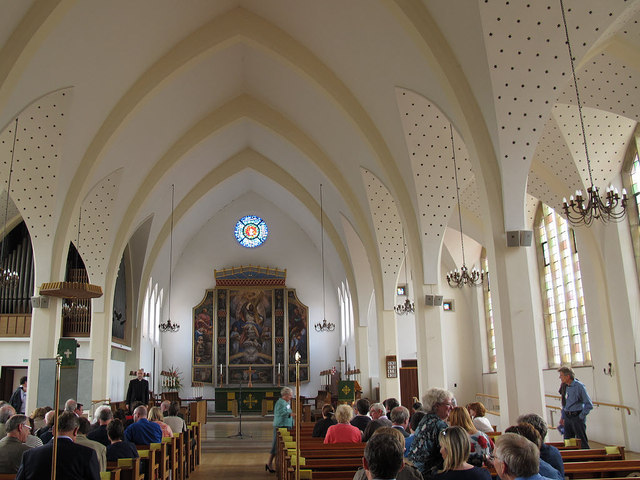 All Saints, Orpington: interior