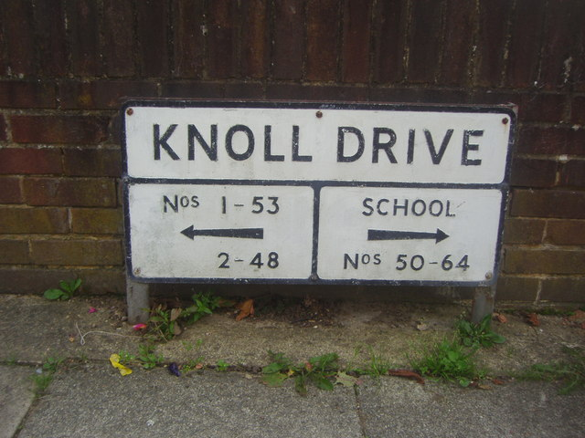 Interesting old street name sign for Knoll Drive