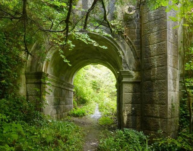 Path beneath Overtoun Bridge