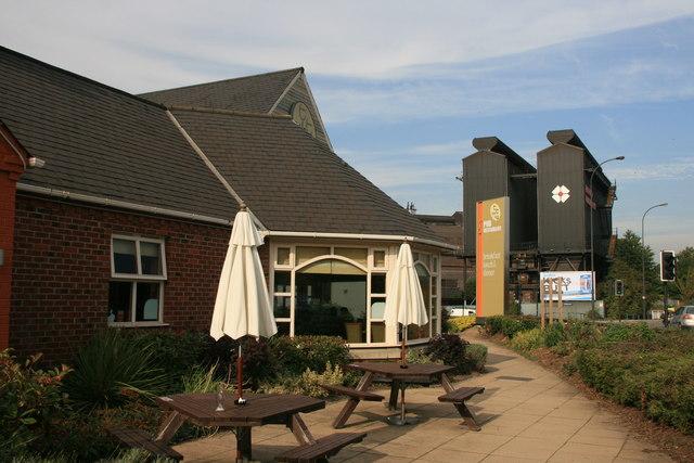Arena Square Pub & Restaurant