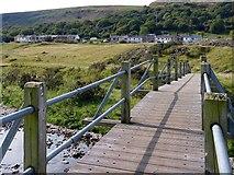 SO1506 : A footbridge over the Sirhowy River by Robin Drayton