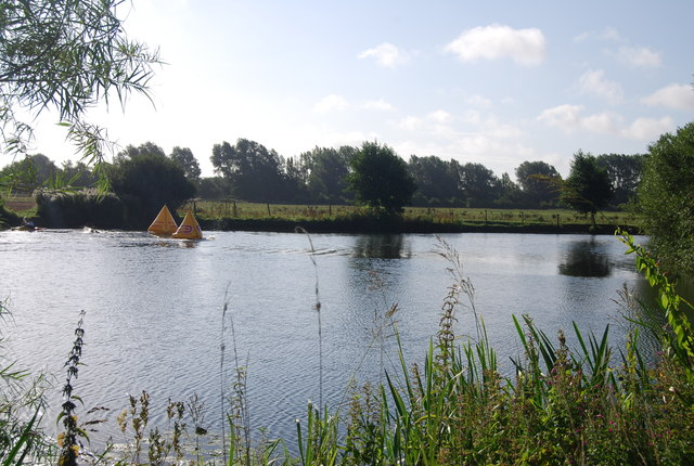 The Thames between The Lynch and Hallsmead Ait