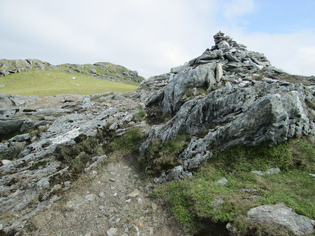 Cairn before the summit, Beinn Ghlas
