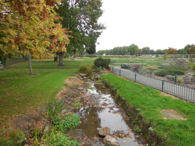 Small stream in Wimbledon Park