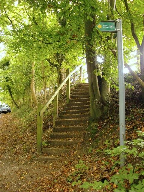 Footpath near Dovers Farm