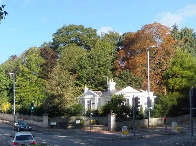 Former lodge for Streatham estate