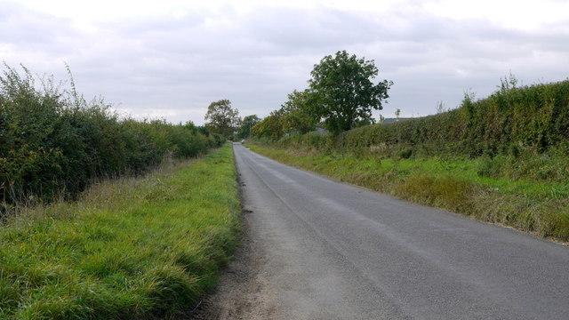 Straight lane to Woodnewton