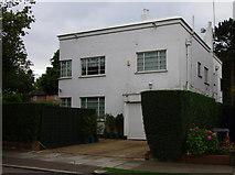 TQ2688 : 1930s house, Hampstead Garden Suburb by Jim Osley