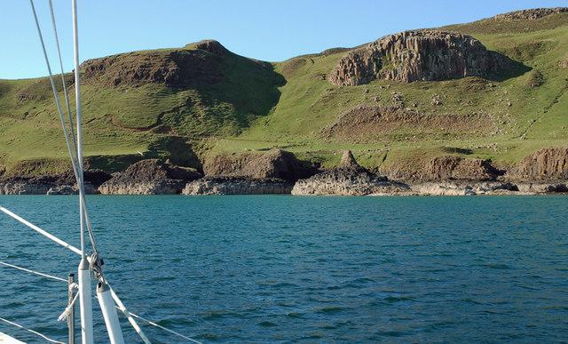 Tarbert Bay, Canna