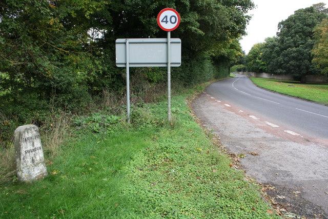 Faringdon Road from entrance to Shrivenham Park Golf Club