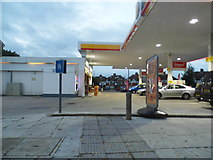 TQ1372 : Shell petrol station on Staines Road, Hanworth by David Howard