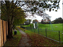 TF1505 : Footpath alongside the playing fields, Glinton by Paul Bryan