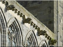NS4863 : Paisley Abbey: gargoyles by Lairich Rig