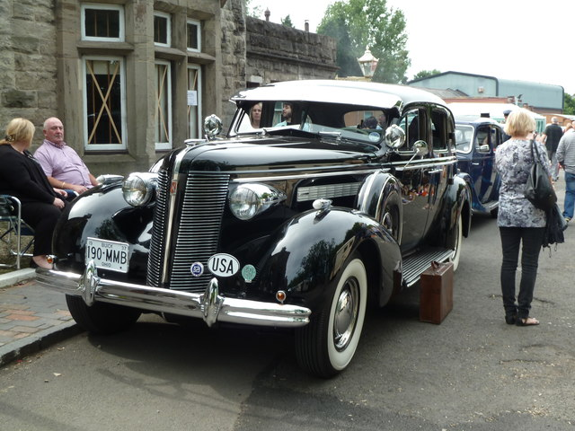 Bridgnorth Station - 'gangster' car