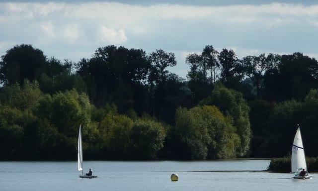 Sailing dinghies at buoy 12