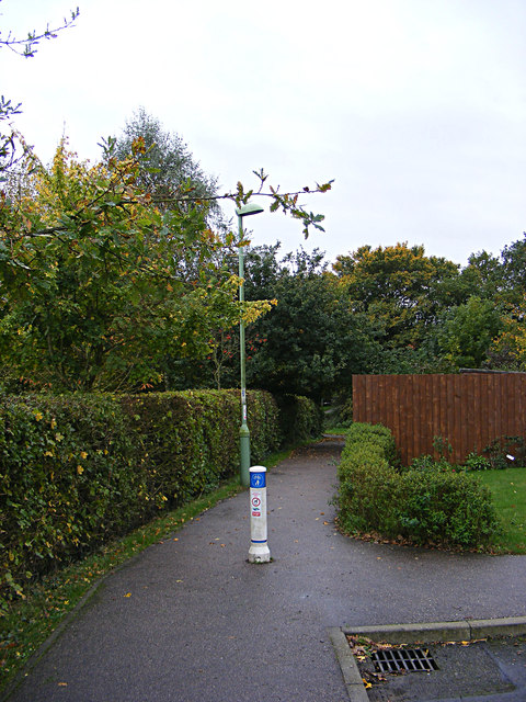 Footpath to Tennyson Road