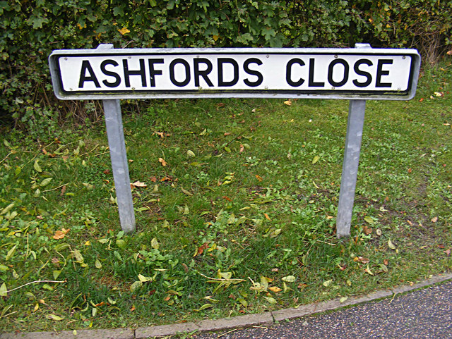 Ashfords Close sign