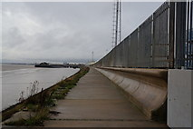 TA1228 : The Trans Pennine Trail towards Hull City Centre by Ian S