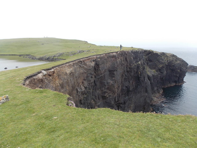 Eshaness: cliffs at Drid Geo