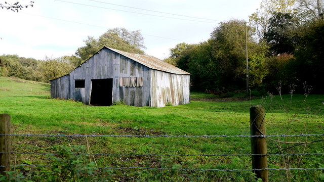 Iron shed in a field at Footrid
