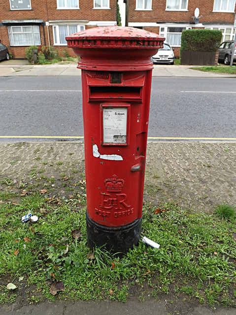 Hadleigh Road Postbox