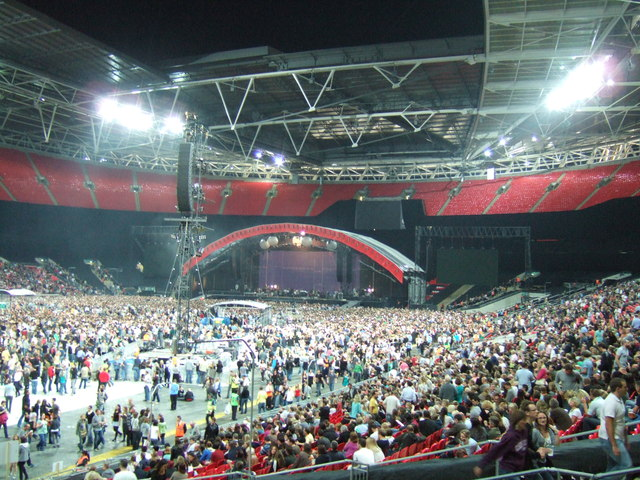 Waiting for Coldplay - Wembley